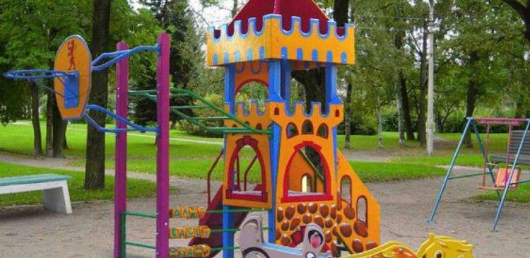 Детские площадки — взрослые проблемы жителей города Николаева