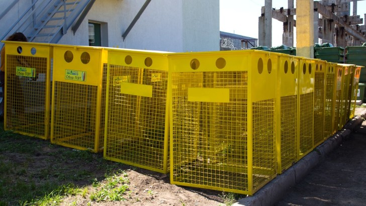 Волинські села стають чистішими: на Ківерцівщині встановлюють контейнери для пластику