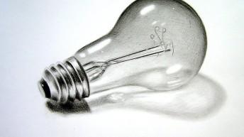 """Активист """"выкрутил"""" лампочку у соседей и сэкономил 780 грн!"""