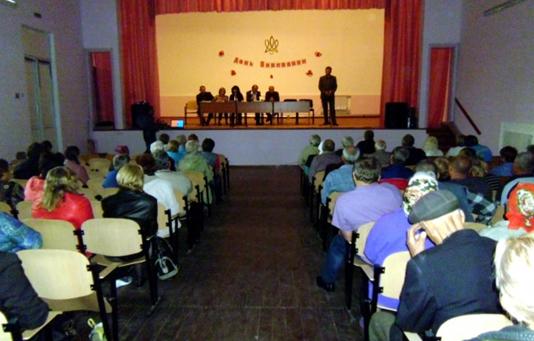 На громадських слуханнях люди опротестували рішення сільської ради про відмову у об`єднанні громад