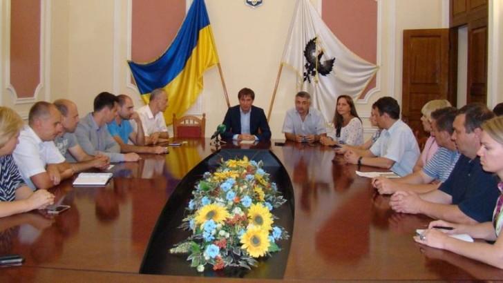 У Чернігівській міській раді відбулася зустріч її депутатів з представниками 10 Ресурсних центрів з розвитку місцевої демократії