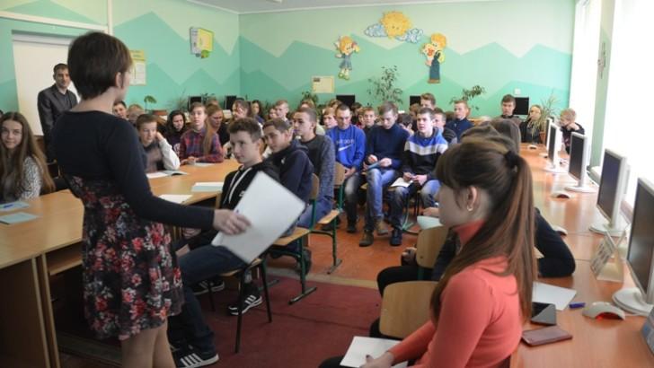 У Дубівській громаді зі старшокласниками говорили про їх права  та обов'язки у громаді
