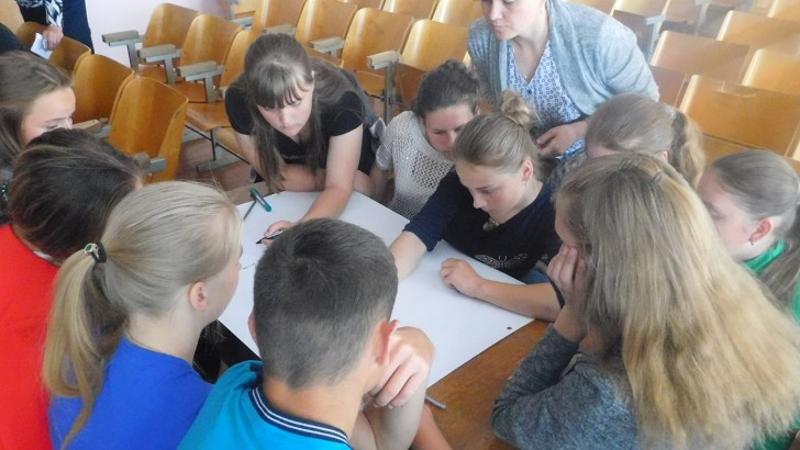 Продовжуються навчанння для старшокласників Цуманської ОТГ  щодо їх прав та обов'язків у розвитку громади