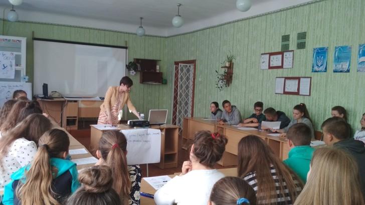 Продовжуються навчанння для старшокласників Устилузької ОТГ  щодо їх прав та обов'язків у розвитку громади